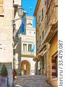 Купить «Old street in San Marino», фото № 33479087, снято 28 февраля 2020 г. (c) Роман Сигаев / Фотобанк Лори
