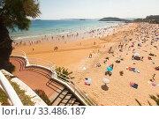 Sardinero beach of Santander in summer. Cantabria. Spain (2019 год). Редакционное фото, фотограф Татьяна Яцевич / Фотобанк Лори