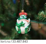 Елочная игрушка. Царевна-лягушка. Стоковое фото, фотограф Denis Kh. / Фотобанк Лори