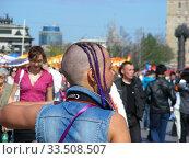 Купить «Стильная прическа с дредами у девушки», эксклюзивное фото № 33508507, снято 9 мая 2011 г. (c) lana1501 / Фотобанк Лори