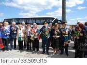 Купить «Ветераны Великой Отечественной войны во время праздника Победы 9 мая на Поклонной горе в Москве», эксклюзивное фото № 33509315, снято 9 мая 2010 г. (c) lana1501 / Фотобанк Лори