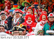 Carnival in Cologne, Weiberfastnacht am Alter Markt, Cologne, Rhineland, North Rhine-Westphalia, Germany. Редакционное фото, агентство Caro Photoagency / Фотобанк Лори
