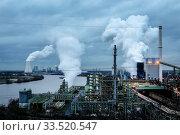 ThyssenKrupp Steel Europe, KBS coking plant Schwelgern am Rhein in Duisburg-Marxloh, Ruhr Area, North Rhine-Westphalia, Germany. Редакционное фото, агентство Caro Photoagency / Фотобанк Лори