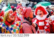 Купить «Carnival in Cologne, Weiberfastnacht am Alter Markt, Cologne, Rhineland, North Rhine-Westphalia, Germany», фото № 33522099, снято 20 февраля 2020 г. (c) Caro Photoagency / Фотобанк Лори