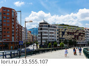 Cityscape of Spanish town Bilbao (2019 год). Редакционное фото, фотограф Яков Филимонов / Фотобанк Лори