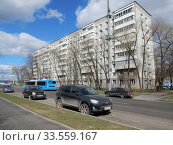 Купить «Девятиэтажный четырёхподъездный панельный жилой дом серии I-515/9М, построен в 1972 году. Хабаровская улица, 24. Район Гольяново. Город Москва», эксклюзивное фото № 33559167, снято 12 апреля 2020 г. (c) lana1501 / Фотобанк Лори