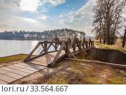 Купить «Bridge on a dam lake», фото № 33564667, снято 9 марта 2020 г. (c) Parmenov Pavel / Фотобанк Лори