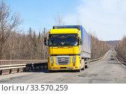 Купить «Renault Magnum», фото № 33570259, снято 14 апреля 2012 г. (c) Art Konovalov / Фотобанк Лори