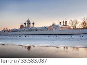 Купить «Tikhvin Monastery in winter», фото № 33583087, снято 4 января 2016 г. (c) Юлия Бабкина / Фотобанк Лори