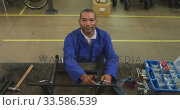 Disabled man at work. Стоковое видео, агентство Wavebreak Media / Фотобанк Лори