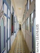 Купить «Colonial interior at a beautiful Casa Particular, Cienfuegos, Cuba.», фото № 33616635, снято 15 марта 2020 г. (c) age Fotostock / Фотобанк Лори