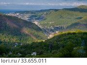 Купить «Краснодарский край, город Туапсе, вид сверху, въезд в город со стороны Майкопа», фото № 33655011, снято 24 апреля 2020 г. (c) glokaya_kuzdra / Фотобанк Лори