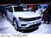 Купить «Volkswagen Tiguan», фото № 33655459, снято 10 марта 2019 г. (c) Art Konovalov / Фотобанк Лори