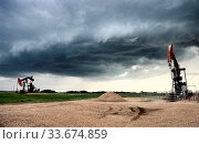 Купить «Prairie Storm Clouds Canada Saskatchewan Summer Warnings», фото № 33674859, снято 27 мая 2020 г. (c) age Fotostock / Фотобанк Лори