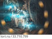 Купить «Men and women playing paintball», фото № 33710799, снято 5 июля 2020 г. (c) Яков Филимонов / Фотобанк Лори