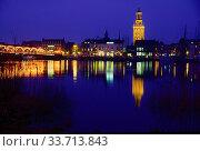 Kampen, city, night shot, illumination, river, Ijssel, reflections, Province of Overijssel, The Netherlands. Стоковое фото, фотограф R. Kunz / age Fotostock / Фотобанк Лори
