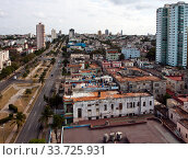 Купить «Cuba. Havana. Top view on old houses.», фото № 33725931, снято 26 января 2013 г. (c) Вознесенская Ольга / Фотобанк Лори