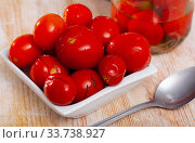 Marinated tomatoes on white plate. Стоковое фото, фотограф Яков Филимонов / Фотобанк Лори