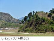 Купить «North Korea countryside landscape», фото № 33748535, снято 3 мая 2019 г. (c) Знаменский Олег / Фотобанк Лори