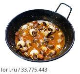 Купить «Dish of boiled snails closeup», фото № 33775443, снято 27 мая 2020 г. (c) Яков Филимонов / Фотобанк Лори