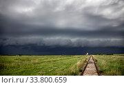 Купить «Prairie Storm Clouds Canada Saskatchewan Summer Warnings», фото № 33800659, снято 2 июня 2020 г. (c) age Fotostock / Фотобанк Лори