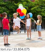 Children skipping on elastic rope. Стоковое фото, фотограф Яков Филимонов / Фотобанк Лори
