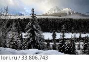 Купить «Morants Curve Alberta Lake Louise Banff Canada», фото № 33806743, снято 11 июля 2020 г. (c) age Fotostock / Фотобанк Лори