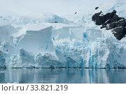 Купить «Iceberg breaks off from a glacier in the summer.», фото № 33821219, снято 3 июля 2020 г. (c) age Fotostock / Фотобанк Лори