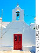 Купить «Ancient greek church in Mykonos», фото № 33828023, снято 22 апреля 2018 г. (c) Роман Сигаев / Фотобанк Лори