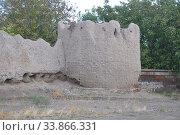 Башня и часть стены - ограждение храма Святой Рипсиме. Вагаршапат, Армения (2016 год). Стоковое фото, фотограф Мартынов Антон / Фотобанк Лори