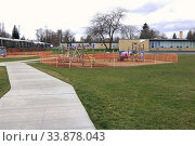 Купить «Elementary School playground closure due to Coronavirus pandemic emergency, Moscow, Idaho.», фото № 33878043, снято 14 июля 2020 г. (c) age Fotostock / Фотобанк Лори