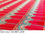 Купить «Red carpet on the floor in a Muslim church for worshipers», фото № 33887259, снято 11 июня 2018 г. (c) Константин Лабунский / Фотобанк Лори