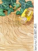 Растительное масло на деревянном столе. Стоковое фото, фотограф Наталья Гармашева / Фотобанк Лори