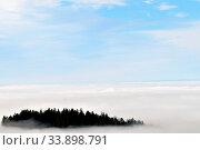 Купить «Schwarzwald Nebel Inversions Wetterlage. Inversion fog in black forest.», фото № 33898791, снято 2 июня 2020 г. (c) easy Fotostock / Фотобанк Лори