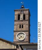 Купить «Звонница с часами на базилике Санта-Мария-ин-Трастевере. XII век. Ясный солнечный день, синее небо. Рим, Италия», фото № 33908027, снято 20 мая 2007 г. (c) Маргарита Лир / Фотобанк Лори