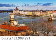 Budapest Chain Bridge over Danube and Hungarian Parliament (2017 год). Стоковое фото, фотограф Яков Филимонов / Фотобанк Лори