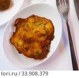 Spanish tortilla with shrimp closeup. Стоковое фото, фотограф Яков Филимонов / Фотобанк Лори