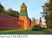 Купить «Первая Безымянная башня  Московского Кремля», эксклюзивное фото № 33941071, снято 14 октября 2018 г. (c) Dmitry29 / Фотобанк Лори