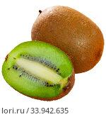 Купить «Whole and halved kiwi fruits», фото № 33942635, снято 11 июля 2020 г. (c) Яков Филимонов / Фотобанк Лори