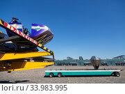 Купить «Germany, Bremen - Showmen have set up a carousel for the TUEV acceptance», фото № 33983995, снято 23 апреля 2020 г. (c) Caro Photoagency / Фотобанк Лори