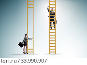 Concept of unequal career opportunities between man and woman. Стоковое фото, фотограф Elnur / Фотобанк Лори
