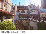 Brasov, Transylvania. Romania. The medieval Castle of Bran (2019 год). Редакционное фото, фотограф Nataliia Zhekova / Фотобанк Лори