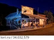 USA, Oregon,Wheeler County, Mitchell, Judy's Place, rustic gift shop, Стоковое фото, фотограф Christian Heeb / age Fotostock / Фотобанк Лори