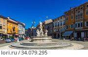 Victory Square with Neptune Fountain, Gorizia, Italy (2019 год). Стоковое фото, фотограф Яков Филимонов / Фотобанк Лори