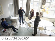 Senior friends getting ready at home. Стоковое фото, фотограф Egerland Productions / age Fotostock / Фотобанк Лори