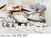 Tablets and capsules pills on white background. Стоковое фото, фотограф Яков Филимонов / Фотобанк Лори