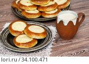 Домашняя выпечка. Булочки сметанники. Стоковое фото, фотограф Dmitry29 / Фотобанк Лори
