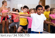 Купить «Kids training hip hop in dance studio», фото № 34100715, снято 30 июня 2020 г. (c) Яков Филимонов / Фотобанк Лори