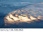 Купить «Russia Samara July 2017: Flooded sandbank, used as a sandy beach on a summer sunny day.», фото № 34100963, снято 14 июля 2012 г. (c) Акиньшин Владимир / Фотобанк Лори