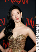 Yifei Liu at the World premiere of Disney's 'Mulan' held at the Dolby Theatre in Hollywood, USA on March 9, 2020. Стоковое фото, фотограф Zoonar.com/Lumeimages / age Fotostock / Фотобанк Лори